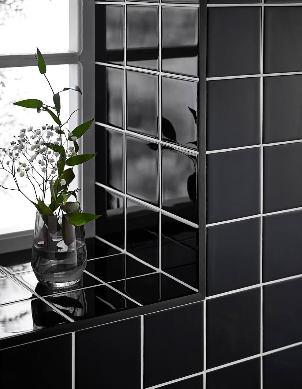 10mm Brushed Black Metal Straight Edge Tile Trim 2.5m